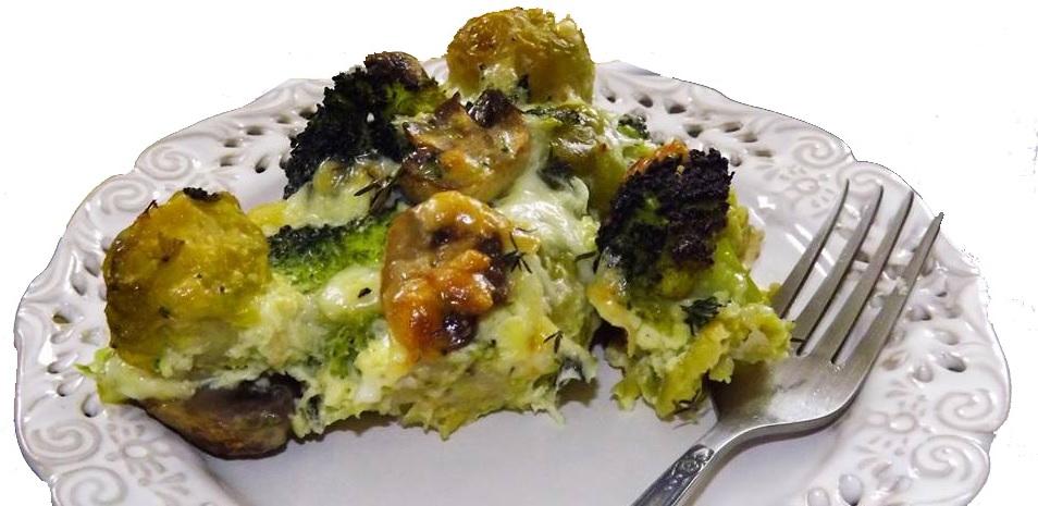 Dietetyczna zapiekanka z piersią z indyka i brokułami to bardzo dobra potrawa o stosunkowo nie wielkiej kaloryczności.