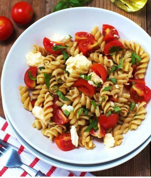 przepis na spaghetti caprese
